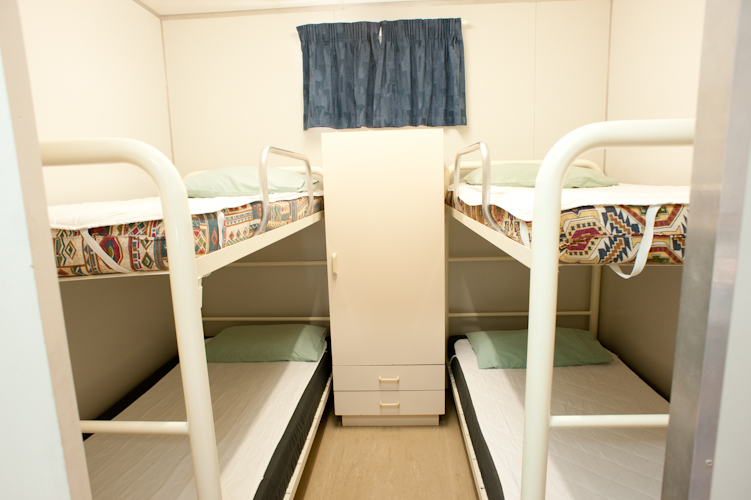 Murchison Caravan Park- Standard En-Suite-Bunk Bedroom
